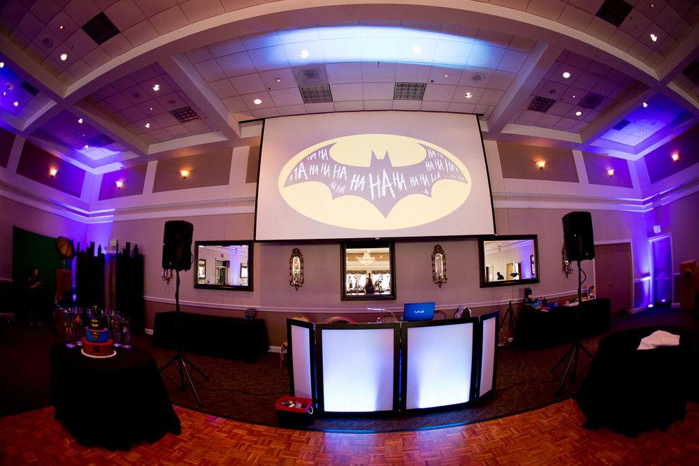 Elis Superheros | DJ Booth| Bar Mitzvah superhero theme, comic book theme, Superman, Batman, X-men, Marvel,decor by Innovative Party Planners at Ten Oaks