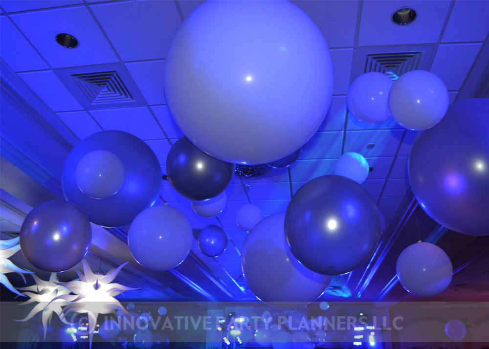 Cirque du SoLexi | Balloons | Bat Mitzvah cirque theme, fire and ice theme, fire and water theme, decor by Innovative Party Planners at Woodholme Country Club