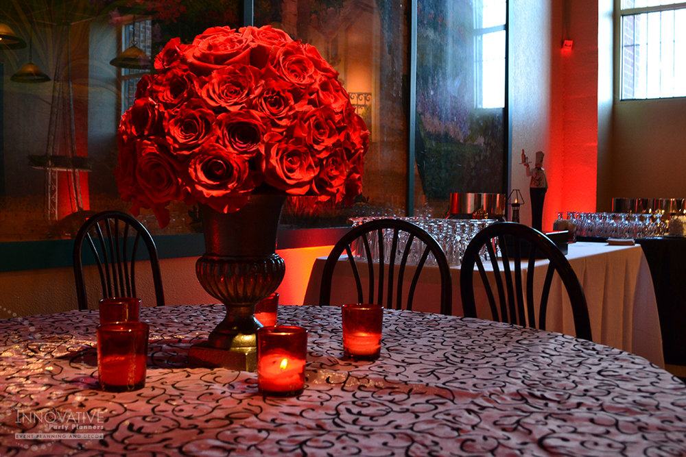 TZA_1-14-16_Red Roses_Cafe_Centerpiece.jpg