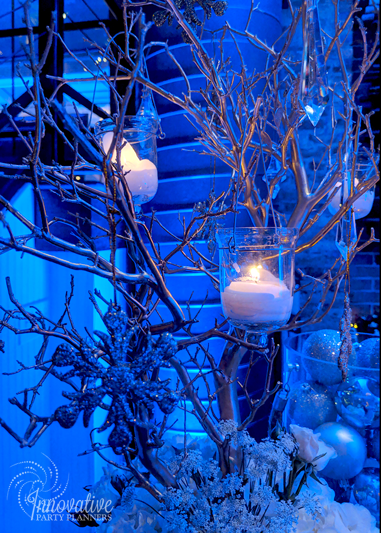 MERKLE_Holiday_2017_Winter_Wonderland_Manzanita_WineBar.jpg