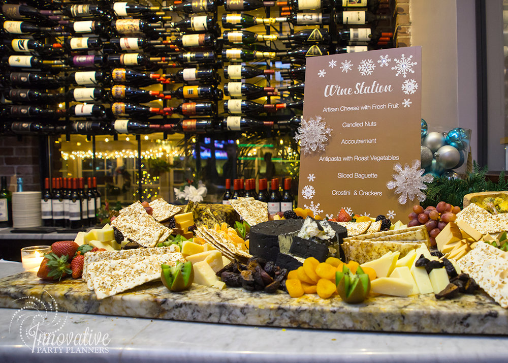MERKLE_Holiday_2017_Winter_Wonderland_Wine_Bar_1.jpg