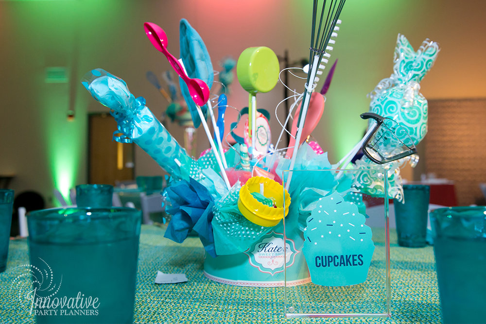 Kates Sweet Shoppe | Centerpieces | Bat Mitzvah candy theme decor by Innovative Party Planners at Temple Beth Ami