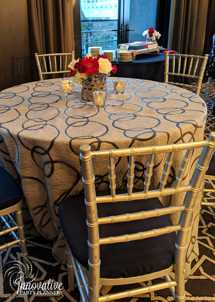 Guest Tables_Price and Parsons_Flowers_Red and Blue in Chrome Vase_Sagamore_Pendry_Booker 6-10-18_2.jpg