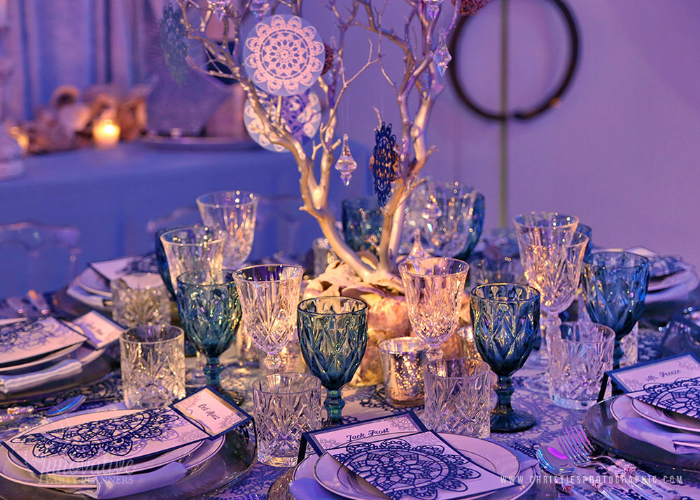 Table Display_Snowflake_Winter on the Water_by Innovative Party Planners_1.jpg