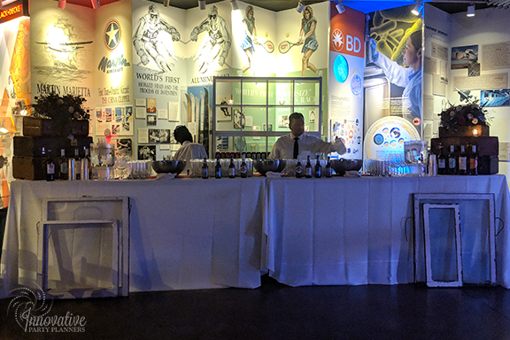 Dance Floor Bar_1940s Themed Decor_InnovativePartyPlanners2018.jpg