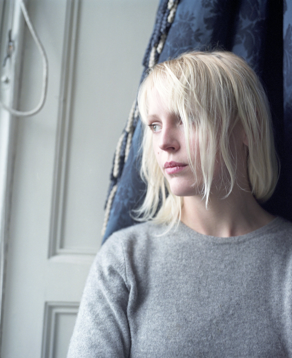 LAURA MARLING  press