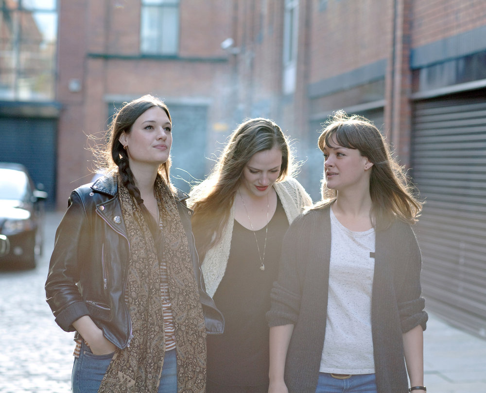 THE STAVES  press