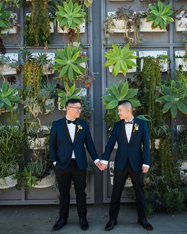 James & Mark's wedding at #TheColonyHouse was published on @loveincmag! 🙌🏻⠀ ⠀ [link in bio]⠀ _____⠀ As seen on: @loveincmag⠀ Venue: @thecolonyhouse⠀ Catering: @24carrottcatering⠀ Florist: @pinkpineappleflorals⠀ Photography: @davidandtaniaphoto⠀ DJ: @voxdjs #tregothedj  Cake: @simplysweetcakery⠀ Photobooth: @freshprintsphotobooths⠀ Choreography: @dancingconcierges⠀ Planning: @kathrynpedersonevents⠀ Officiant: @greatofficiants⠀ Videography: theater10.com⠀ .⠀ .⠀ .⠀ .⠀ .⠀ #thecolonyhouse⠀ #colonyhouse⠀ #colonyhousewedding⠀ #anaheim⠀ #cityofanaheim⠀ #anaheimwedding⠀ #thecolonyhousewedding⠀ #ocwedding⠀ #gaywedding⠀ #loveislove⠀ #grooms