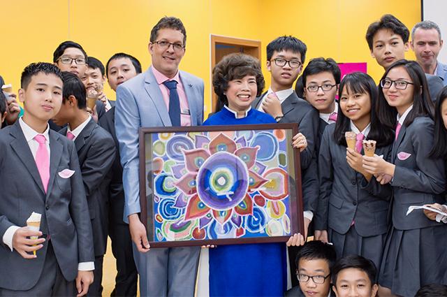 Madam visits Hoa Lac.jpg