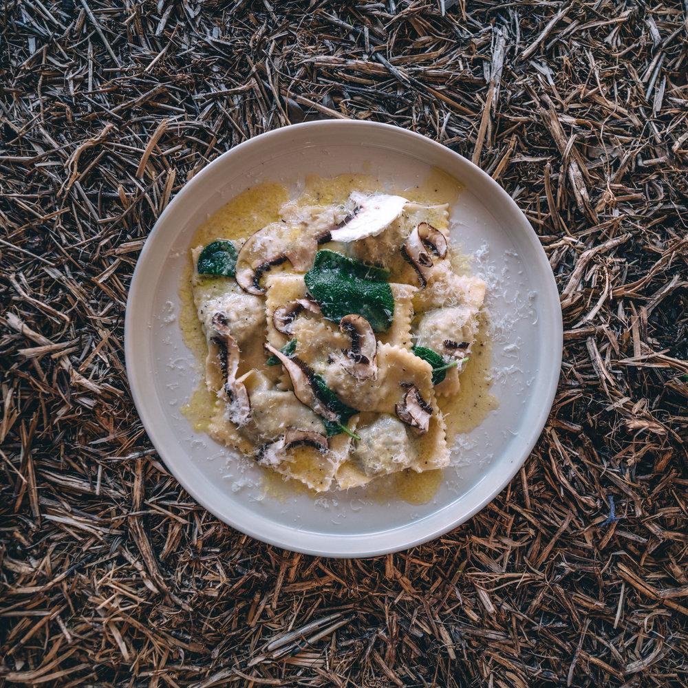 Ravioli con portobello e ricotta