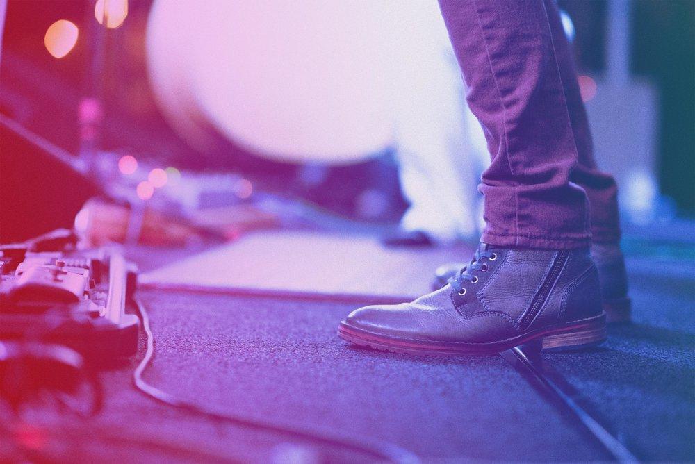 stage_feet.jpg
