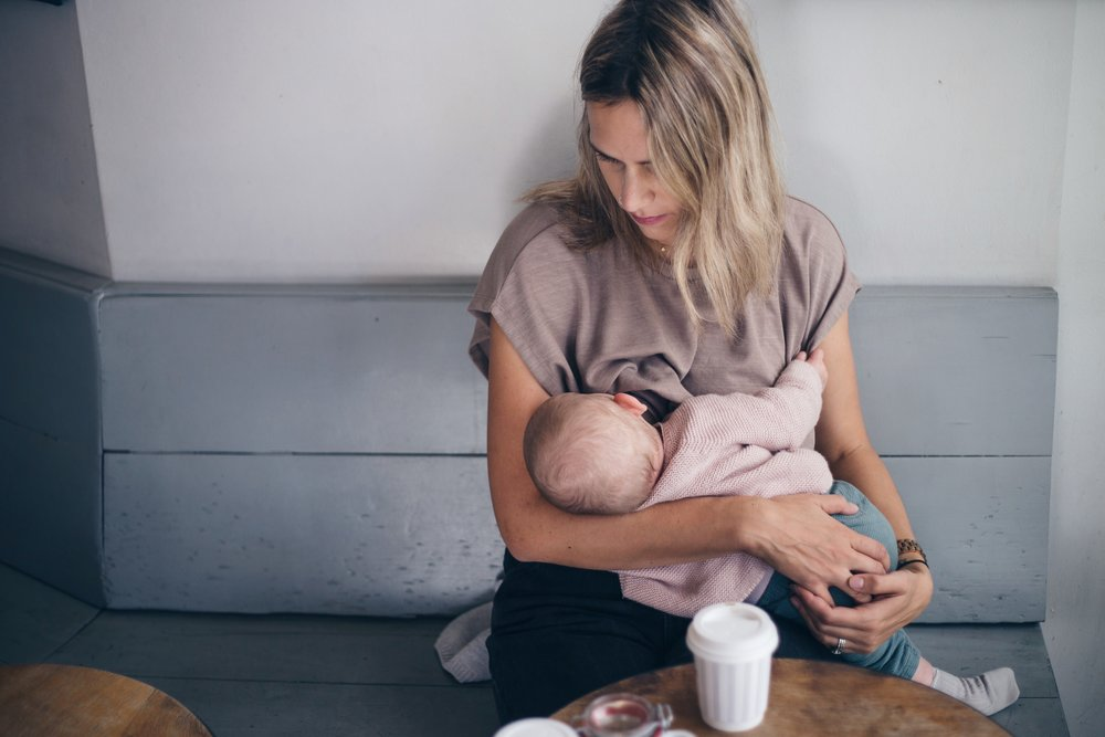 You can't have a breastfeeding post without an action shot!