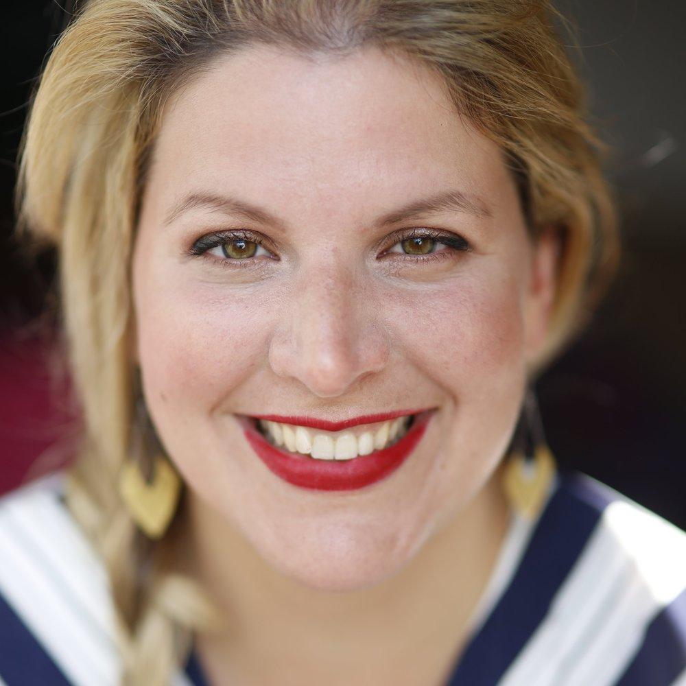 """Christine Dohler - Hamburg""""Mindful Blogging bedeutet für mich, meine Erfahrungen zu teilen und Menschen zu motivieren, ihrer inneren Freude zu folgen.""""Christine Dohler"""