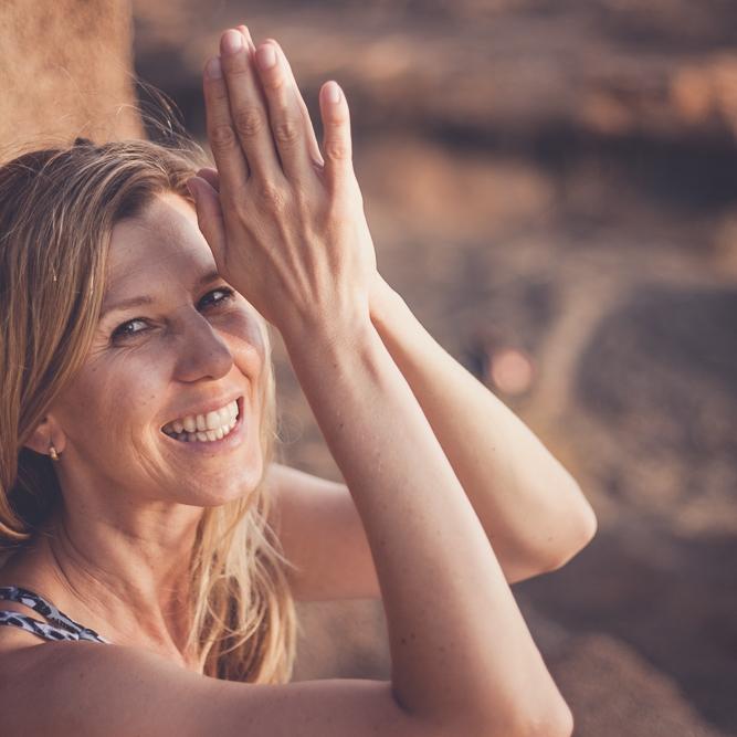 """Gabriela Bozic - München""""Mindful Blogging bedeutet für mich, Erfahrungen zu teilen, die anderen Mut und Freude machen, die dabei helfen, Zeit und Geld zu sparen und inspirieren, authentisch und mitfühlend zu leben.""""Gabriela Bozic"""