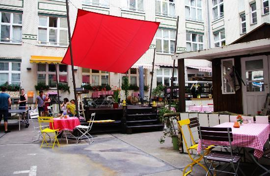 michelberger-hotel.jpg