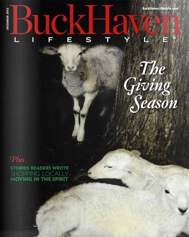 Oh hey! Remember when the front cover of Buckhaven magazine was my mixed media work?? Well this is a hint of the image content that will be seen tonight... watch back to back episodes  to see the painting on @diynetwork — DVR or stay up late with us❤️ Featured on 11 or 11:30 episodes. So make sure to watch back to back for the premiere🎉. @laurenliess I'm so excited to see your hard work!! @besthouseontheblock  #buckheadatlanta  #artistsoninstagram  #oilpainting  #creatives  #art  #architectural  #landscape  #abstractart  #abstractrealism  #atlantaartist  #nashvillecreatives  #coastalliving  #coastallandscape  #storms