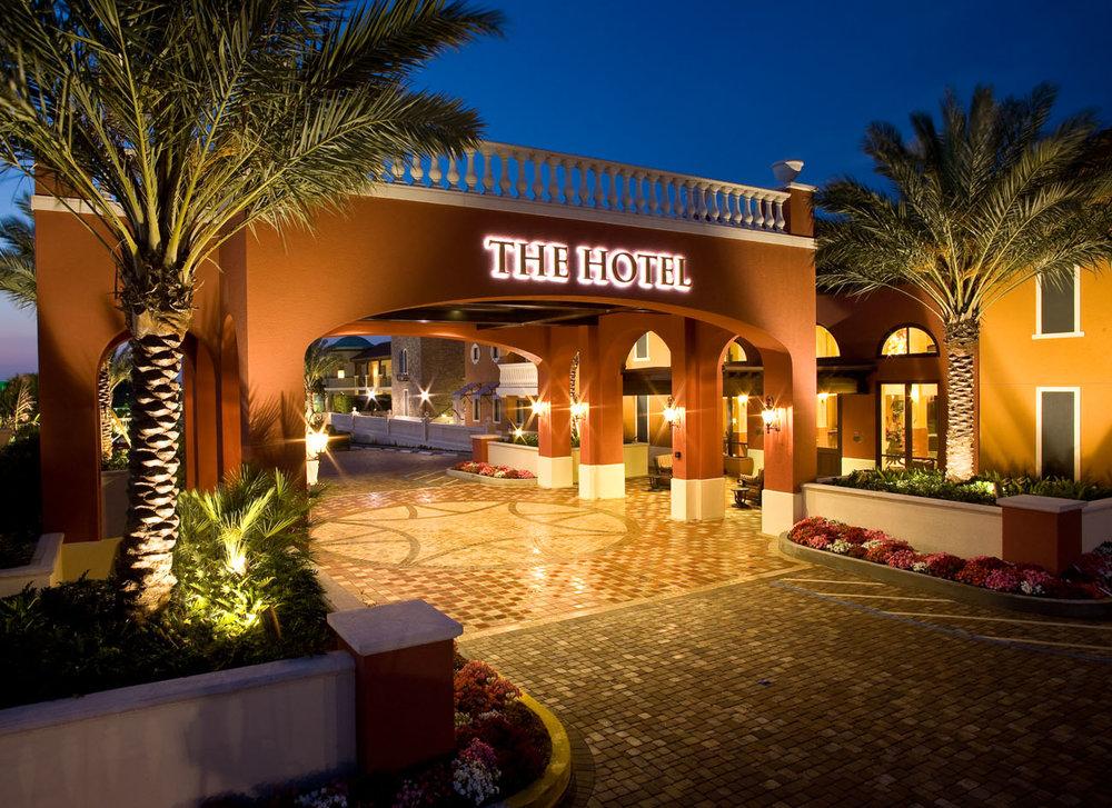 Hotel & Club