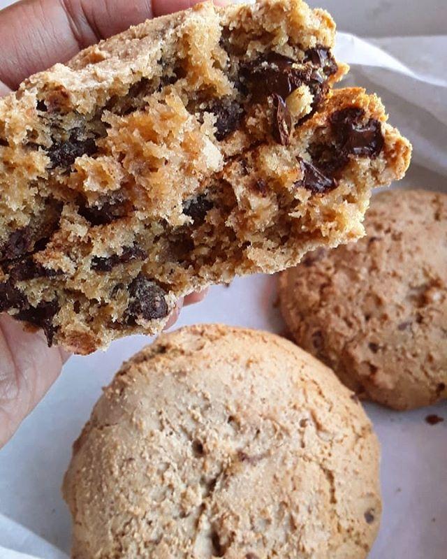 Dark Chocolate + Toasted Almond cookies FTW! 🍪 . . . . . . . . . . . #cookies #CookieLove #PDX #OREGON #PDXBakery #Bakery #BakingAddiction #freshlyBaked #BakedFromScratch #PastryPorn #FoodPorn #PortlandBaker #Baking #Homemade #PortlandBusiness #EaterPortland #PortlandMade #OregonMade #EnjoyPortland #Eat #EatPortland #Foodie #PortlandFoodie #PDXFOODIE #PortlandFood #SupportBlackBusinesses #BuyBlack #BlackOwned #BlackOwnedBusiness #WOC