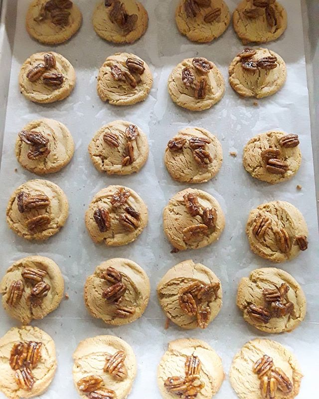 Come check out these delicious Butter Pecan Cookies and more at the June Key Delta Center today until 5pm! . . . . . . . . . . . . . . #cookies #CookieLove #PDX #OREGON #PDXBakery #Bakery #BakingAddiction #freshlyBaked #BakedFromScratch #PastryPorn #FoodPorn #PortlandBaker #Baking #Homemade #PortlandBusiness #EaterPortland #PortlandMade #OregonMade #EnjoyPortland #Eat #EatPortland #Foodie #PortlandFoodie #PDXFOODIE #PortlandFood #SupportBlackBusinesses #BuyBlack #BlackOwned #BlackOwnedBusiness #WOC