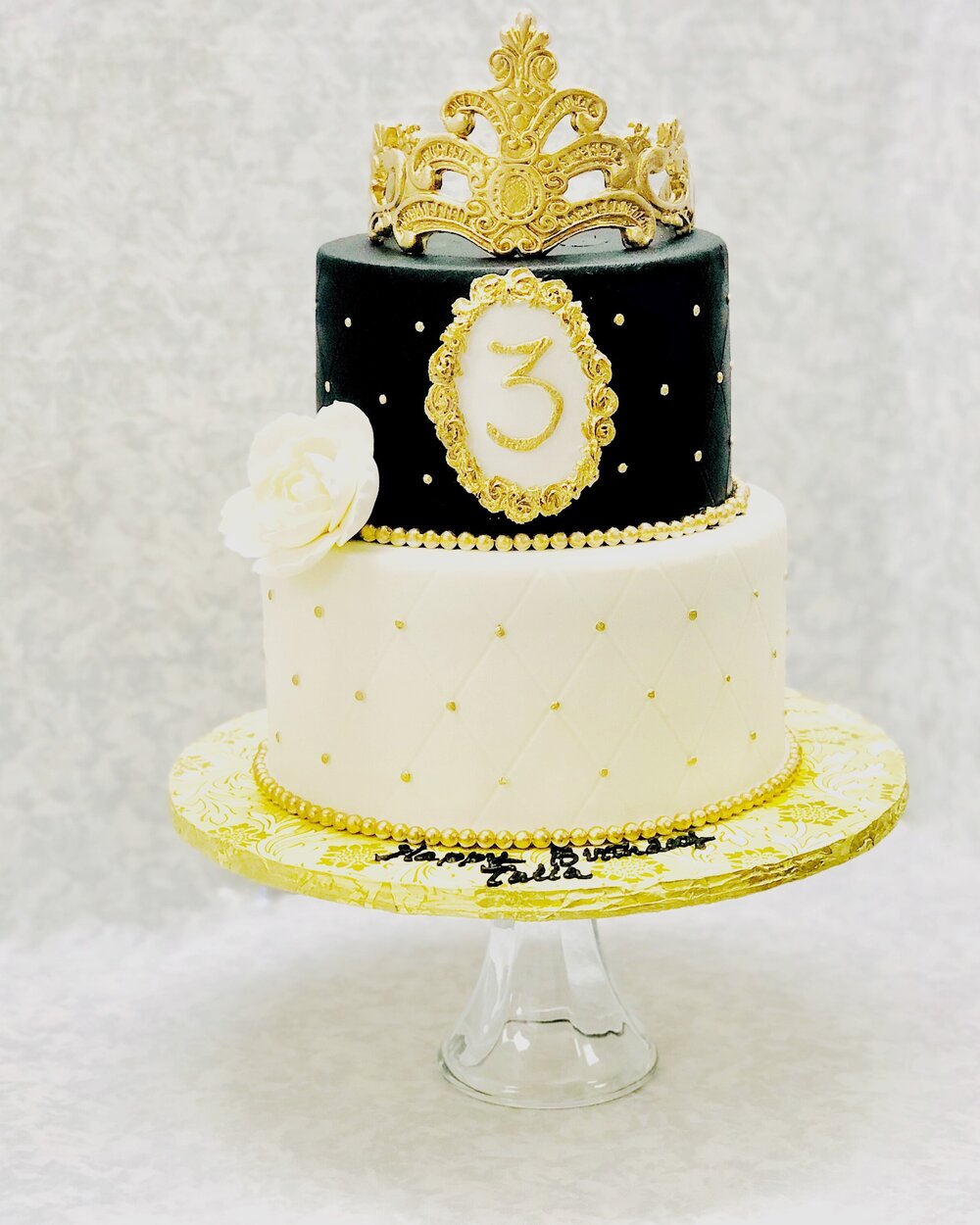 Black & White Royalty Cake