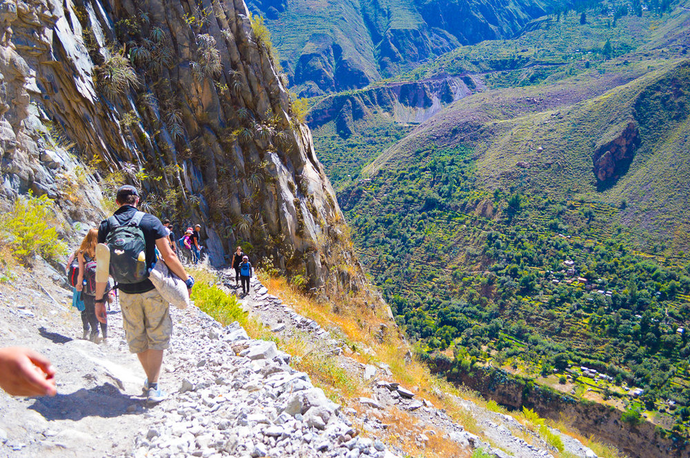 Steep gravely paths down the colca