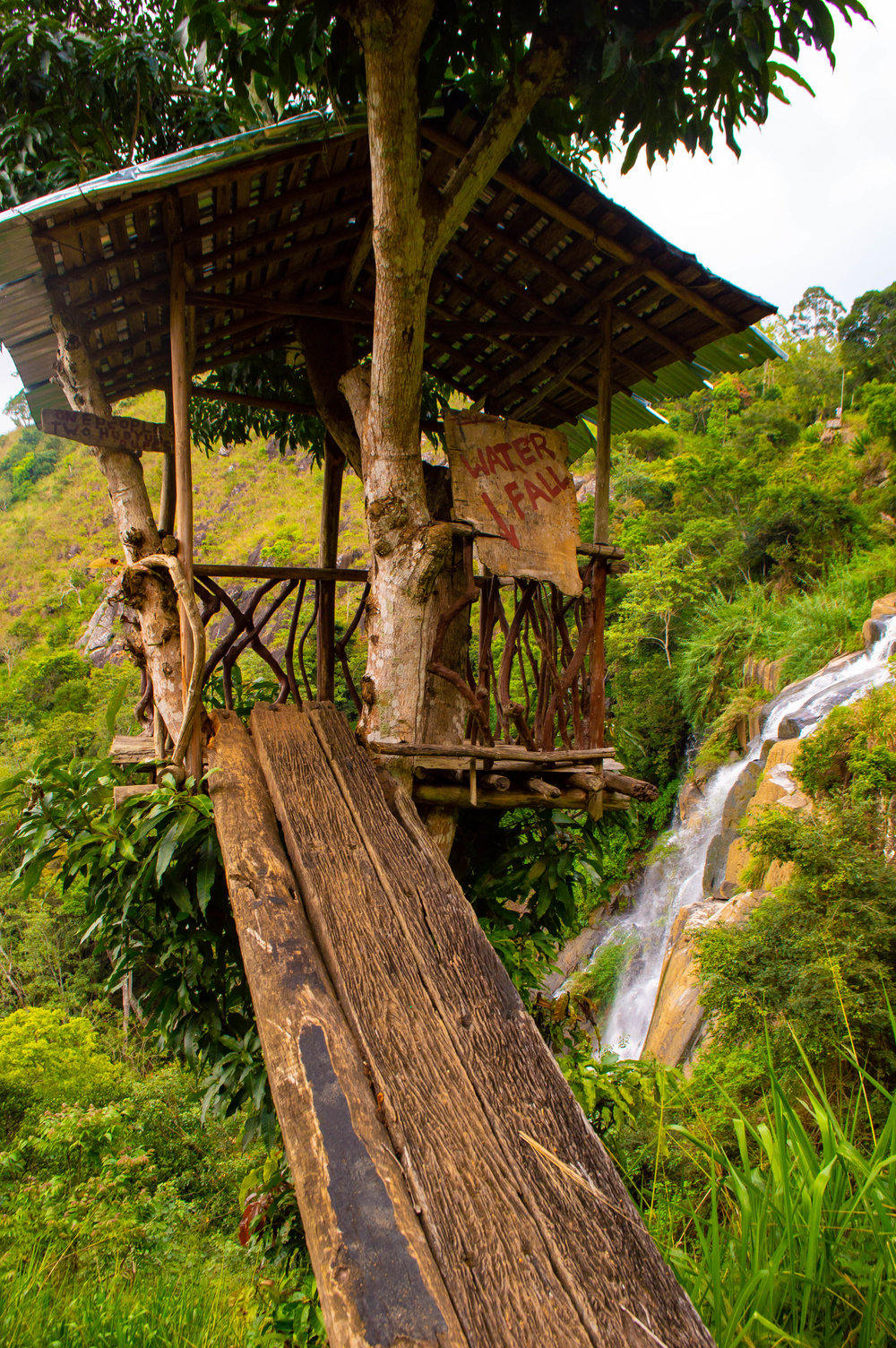 A cute tree house with waterfall views near where you will be asked to pay a 200LKR entrance fee.
