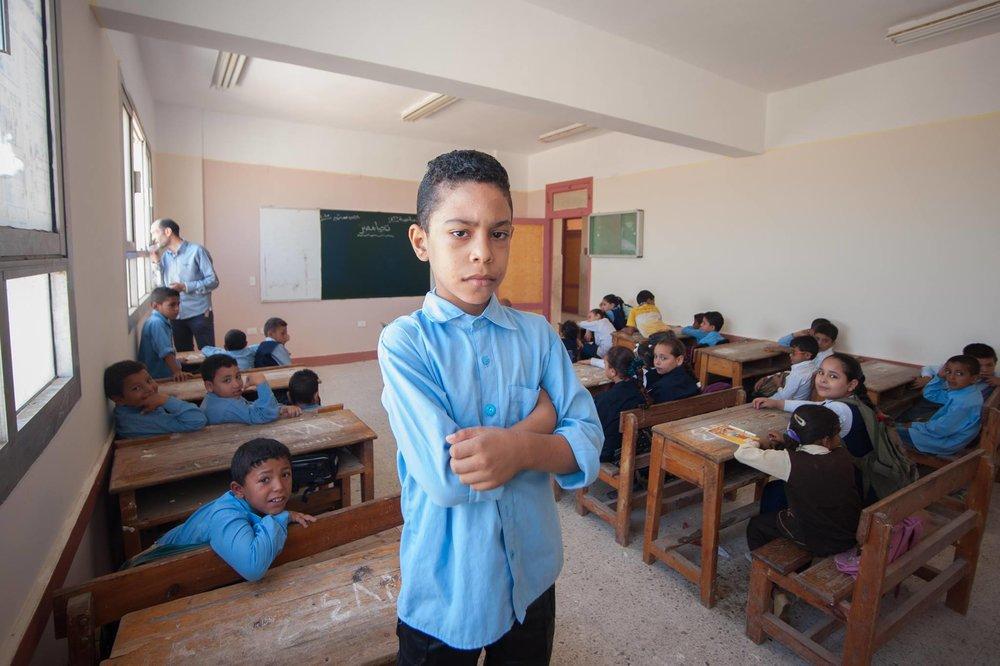 Egyptiske familier, der har råd, køber en privatlærer til hjælpe deres børn i de overbefolkede folkeskoler. Med undervisningsportalen Nafham kan alle få adgang til alternativ undervisning. Foto: Mohamed Kamal