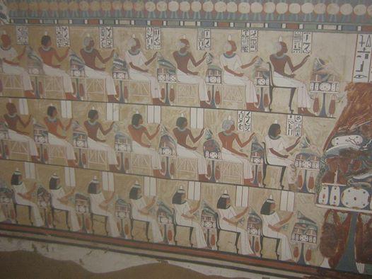 Vægmalerier i en af gravene i el-Gubba. Foto: Ministeriet for Antikviteter