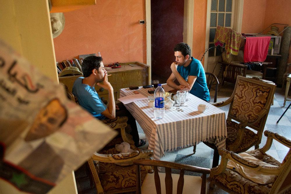 Nabil og Rami planlægger rejsen.
