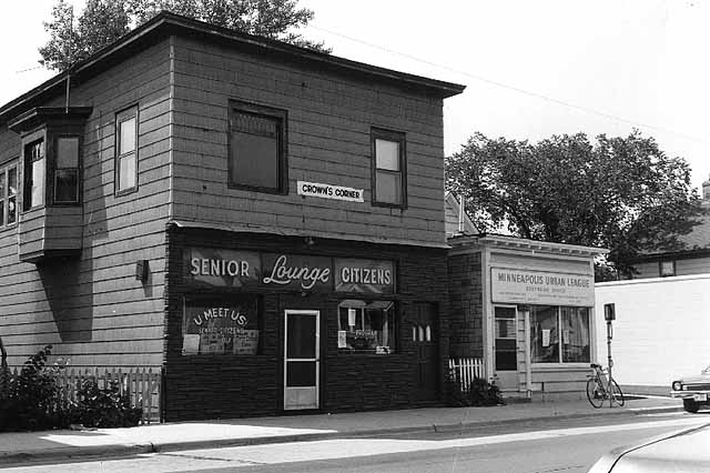 Here is the U-Meet-Us Senior Citizens Lounge and Minneapolis Urban League, 4th Ave and 38th St in 1975. (Photo: MN History Center)