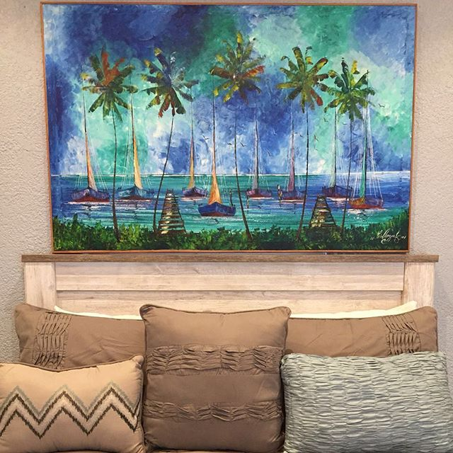 Were ready to welcome you with open arms and local art! Did you know that every single one of our rooms - including our living spaces - is adorned with work by a local artist? We love celebrating our Belizean artists! #diamondlodgebz #belizeanart