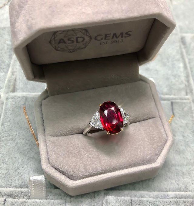 This Ruby is everything!  6ct+ Non-Heated, Pigeon Blood Red! Swipe 👉🏻 to fall in love..😍✨♦️✨♦️ • • • #Gem #Ruby #Red #Bespoke #Beauty #Design #Style #Instarings #GIA #Diamondring #Bridal #She_saidyes #Thecaratclub #Theknotrings #Gemhuntrings #Vibesjewelery #Finejewelry #Elegance #Privatejeweler #Wholesale #Highend #Luxury #Love #Picoftheday #Fire #Bling #Brilliance #NYC #ASDgems
