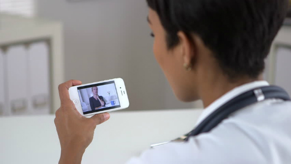 Nurse with a phone H333.jpg