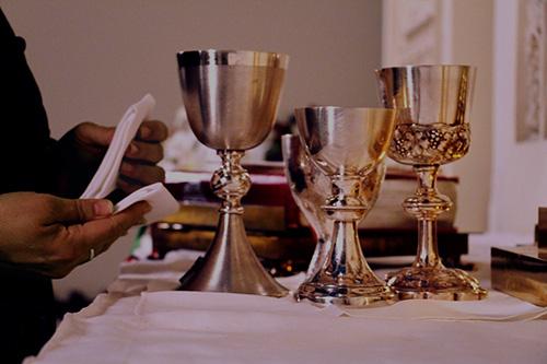 Altar-Guild2.jpg