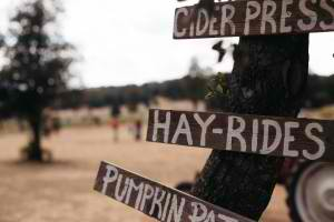 Hay-Rides-Sign-300x200.jpg
