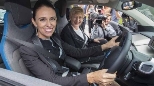 PM Jacinda Ardern and Mayor Lianne Dalziel in one of the new electric share cars.