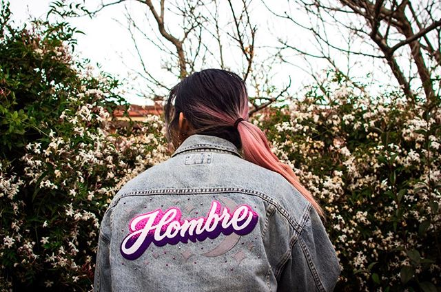 """""""An ombré for a Hombre"""" - Eliza, the magician behind @back.at.cha ✨ If you ever want to get a customised patch done she will work wonders for you! So in love with how this came out 😍😍 And also big love to my beautiful IKEA team for surprising me with a custom patch voucher for my bday back in March 💜💕💜💕 I finally got it done! . . . #denimjacket #custompatch #ombre #supportsmallbusiness 📸: @jannehombre"""