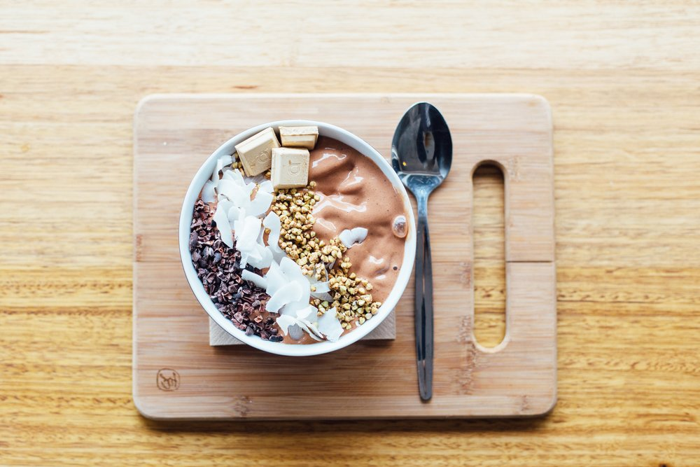Need a protein boost? - This smoothie recipe has you covered! Great smoothie toppers are things like nuts, seeds, cacao nibs and berries...