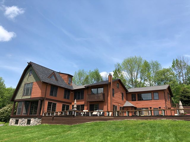 We represented one of our clients on the purchase of this amazing property last year and still can't get over how amazing it is. There's no place like the Catskills! #catskills #phoenicia #mountains #country #countryside #loghome #milliondollarlisting #newyork #newyorkcity #beautiful #brooklyn #realestate #realtor #realtorlife #weekend #weekendvibes #upstatenewyork #beautiful #bosshomes #viewsfordays #views #pictureperfect #photooftheday #kingston #ulstercounty #residence #residential #luxury #luxuryrealestate #luxurylifestyle #broker
