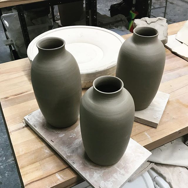 Bigger muscles make bigger pots thanks #bodypump  #muscles #pottery #vase #clay #ceramics #throwing #stoneware #homemade #instaceramics #instapottery #makersgonnamake #gettingbigger #practicemakesperfect #centering #exhausted