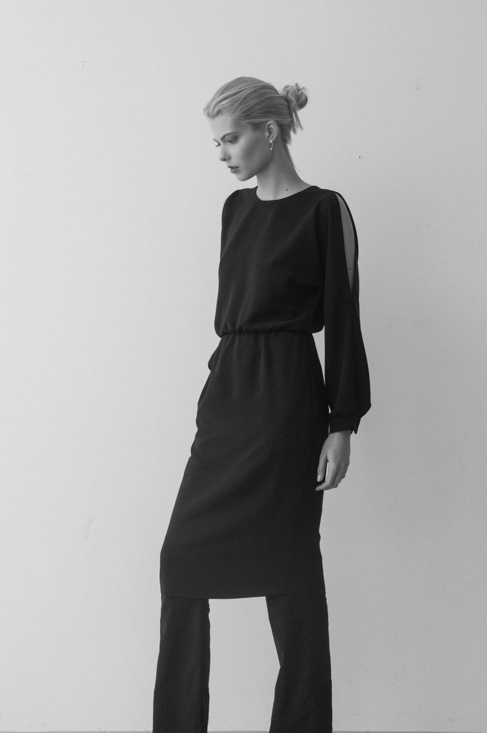 cutout shoulder dress.jpg