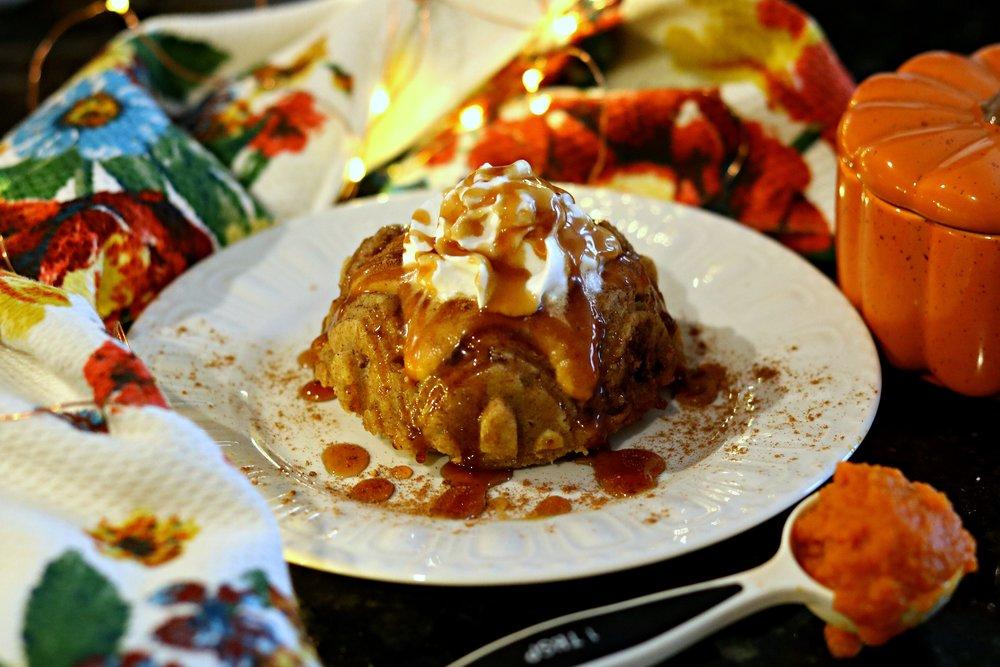 PumpkinSwirl_Cake_1_V3.jpg