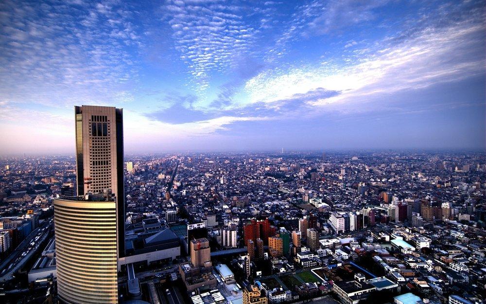 - WE TOKYO