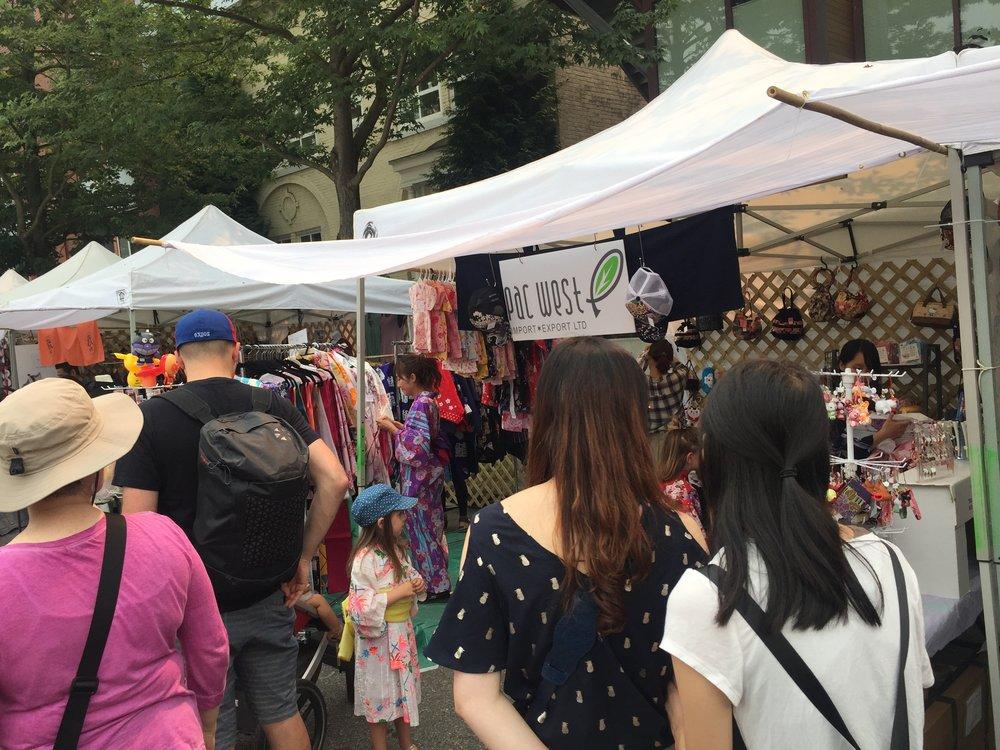 日本文化を発信!日系祭りなどでボランティアをしてみませんか♪ - 海外で、日本のものを販売してみませんか♪またオンラインショップをメインとしたマーケティング担当も求人されている様です♪http://kimono.pacwestie.com/近日の情報♩6月3日(日)Japan Marketその他、7月8月はいろんなお祭りがあります♩