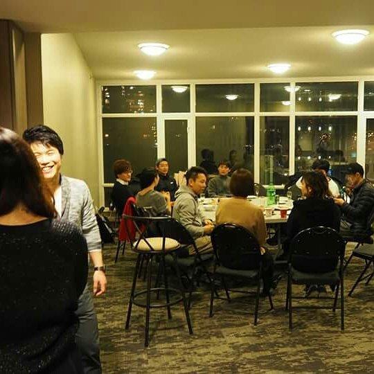 Cheer! Canada交流会VOL.1@vancouver 無事大盛況で幕を閉じました🇨🇦✨ 初イベントにも関わらずたくさんの方々が起こし下さり、雨+寒いという二重苦のバンクーバーをどう楽しむか、英語のの学習方法、将来のキャリアなど熱く語り合いました🌏 経営者、YouTuber、ダンサー、世界一周バックパッカー、日本語教師、エンジニア、美容師、ブロガー、学生など来られた方々のキャラクターが豊富で最高に盛り上がりましたね!! 次回開催のご案内お見逃しなく〜👍