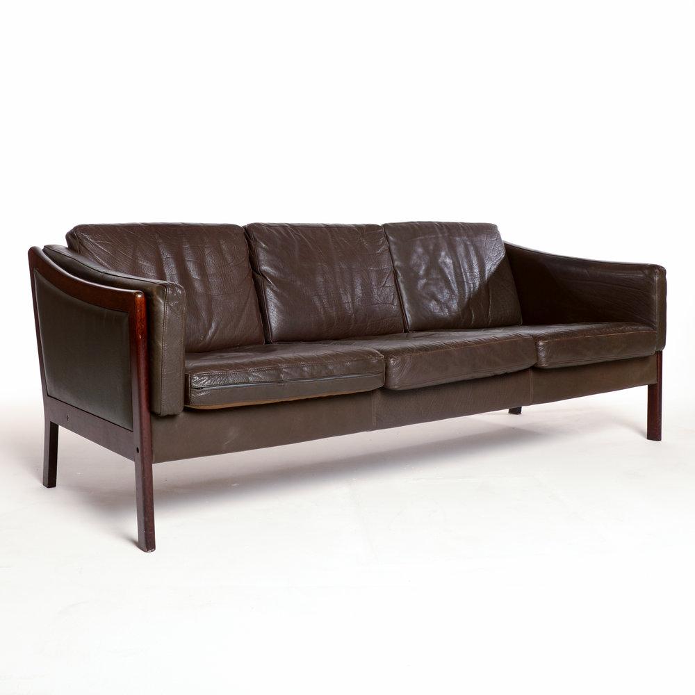 Motel Furniture2379.jpg