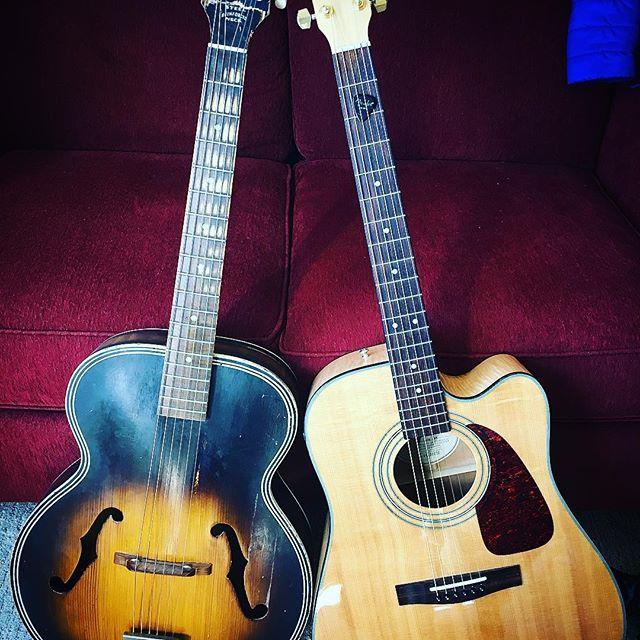 Flat top or arch top?#guitar #musicgear #musicianlife #livemusic #musician #vintageguitar #fenderguitars #harmonyguitars #guitarsofinstagram #davemyersmusic