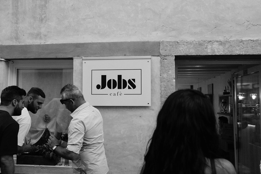 Jobs-logo entrance.jpg