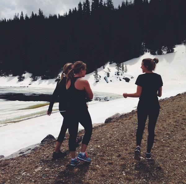 hiking gals