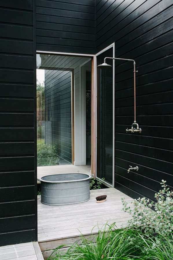 outdoor shower in perth
